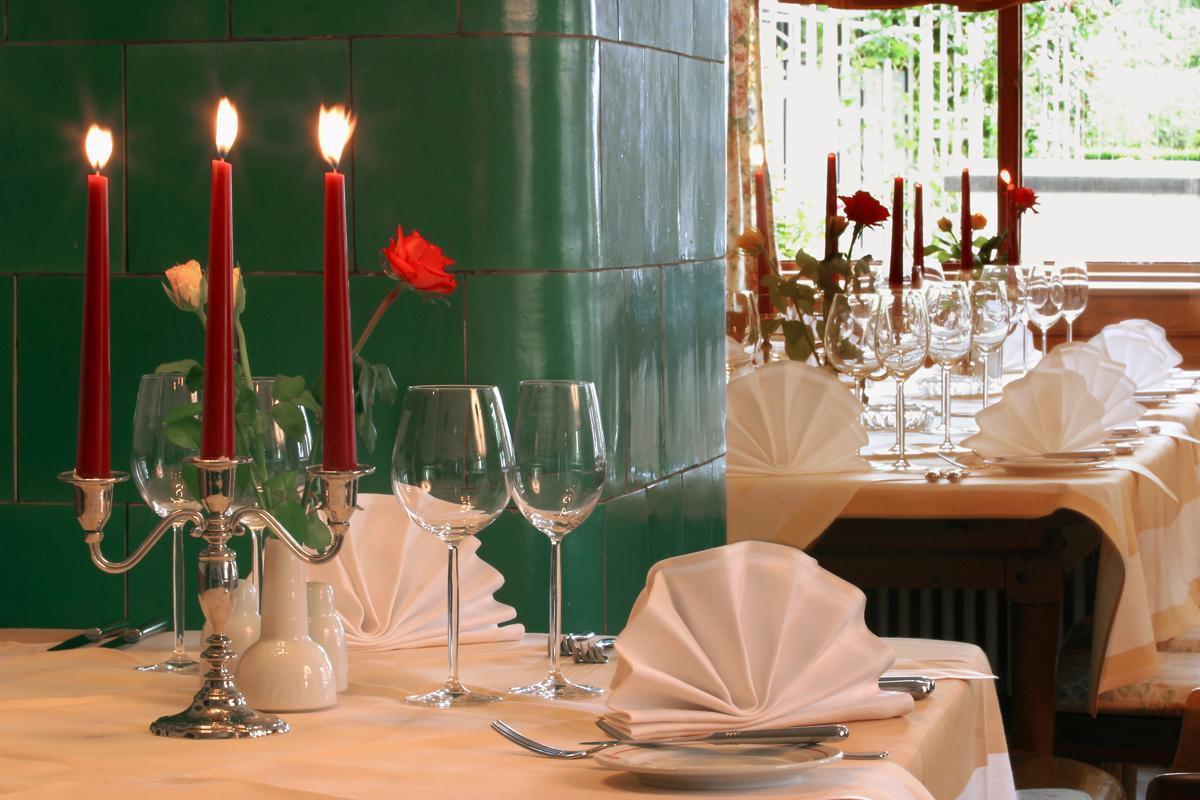 Gedeckte Tafel im Markgräflich Badischen Gasthof Schwanen; Foto: Restaurant Schwanen