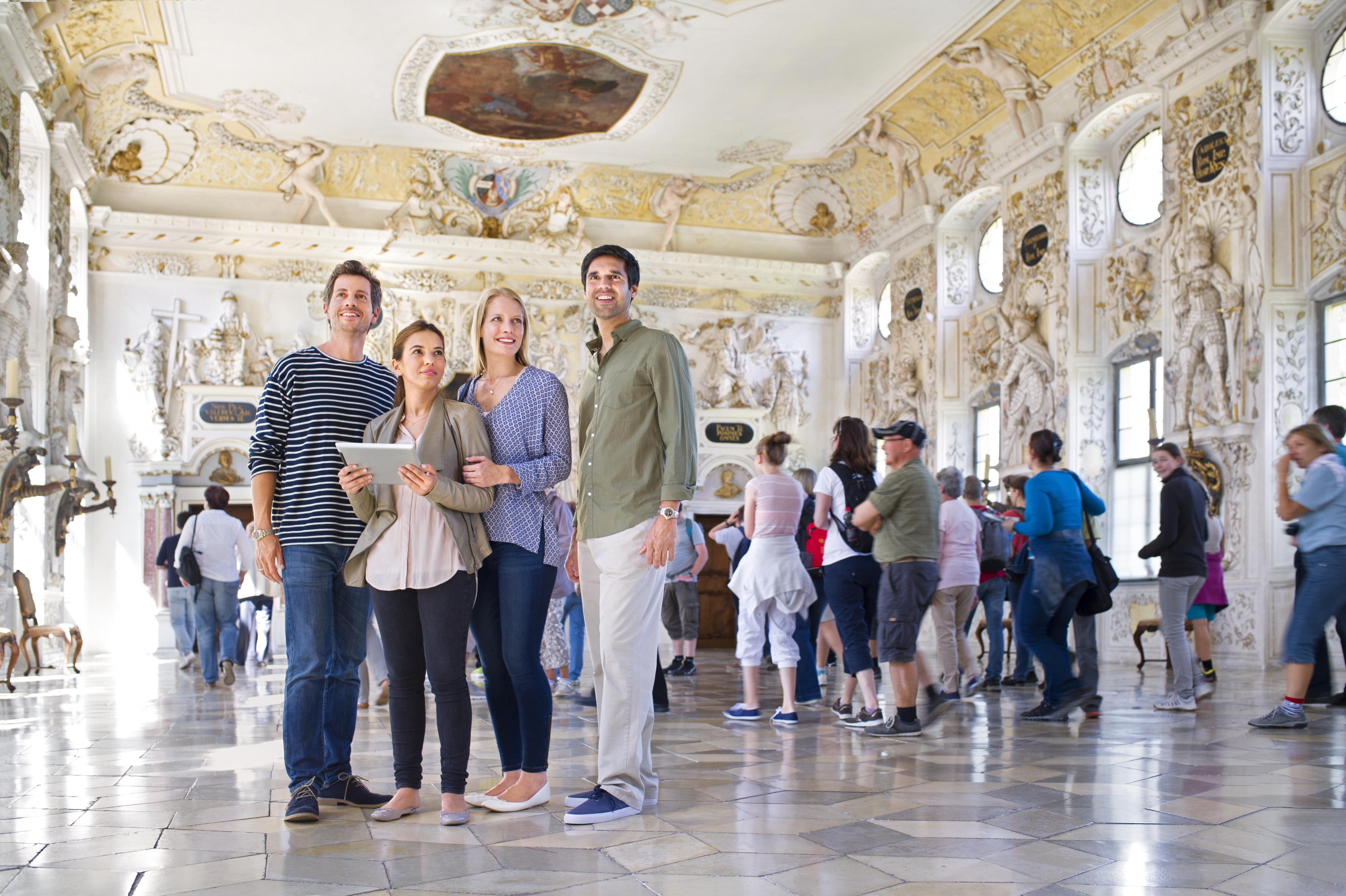 Besucher im Kloster Salem; Foto: Staatliche Schlösser und Gärten Baden-Württemberg, Niels Schubert