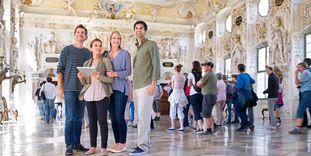 Besucher im Kloster Salem