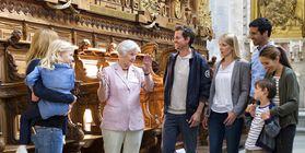 Besucher und Reiseveranstalterin